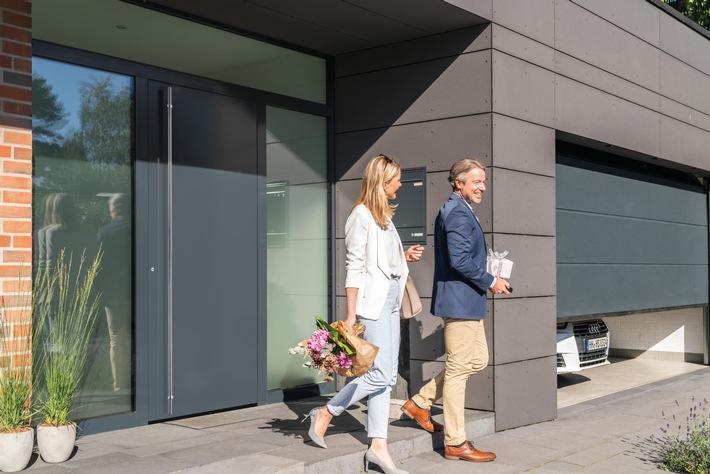 Hörmann ThermoPlan Hybrid-новая элегантность для области входных дверей